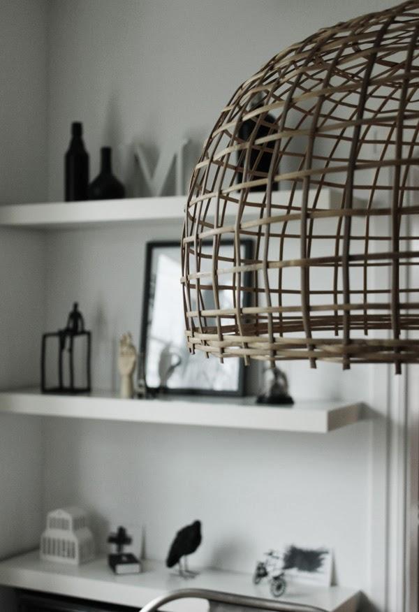 soomkai lampa, lampa av bambu, trärena detaljer, bambu, kähler, artprints, svart och vitt, del av intäkter till thailand, jimmy schönning, webshop, korglampa, watt och veke,
