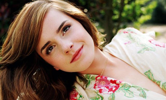 "<img src=""http://4.bp.blogspot.com/-o2TeJ7WVID8/Uf_PoHTPnyI/AAAAAAAADO0/3aRsJxnN8JI/s1600/emma_watson_2-wallpaper-1280x768.jpg"" alt=""Emma Watson wallpaper"" />"