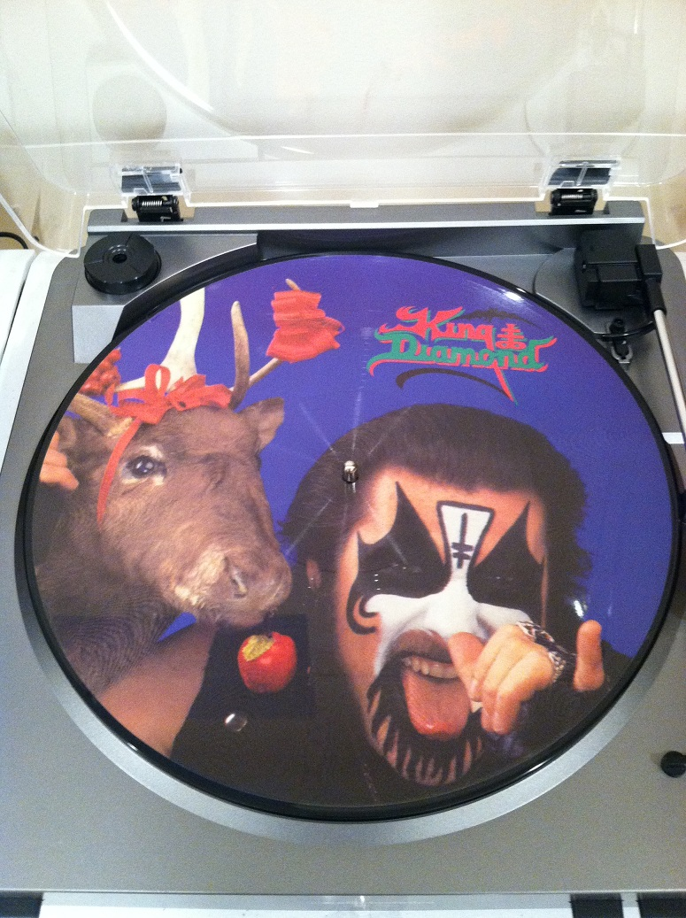 King diamond no presents for christmas - Originally Released On Christmas Day In 1985 The A Side Has Not Been Difficult To Find Appearing On Compilations As Well As Later Pressings Of Fatal