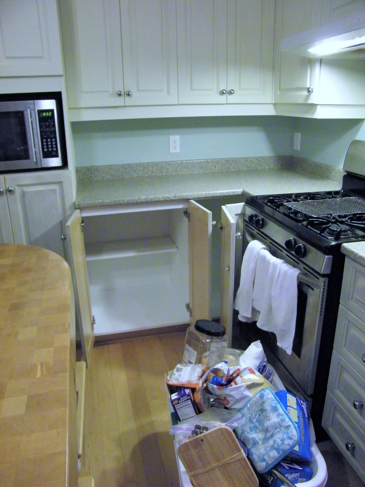 Maison Decor: Kitchen Counters Arrived