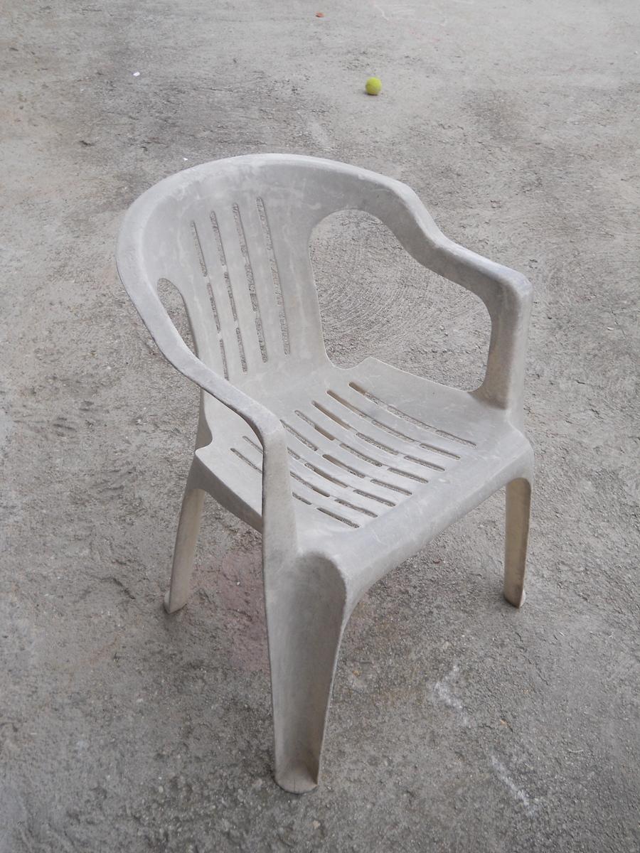 Tutti i colori di CriA: Come recuperare... delle sedie di plastica ...