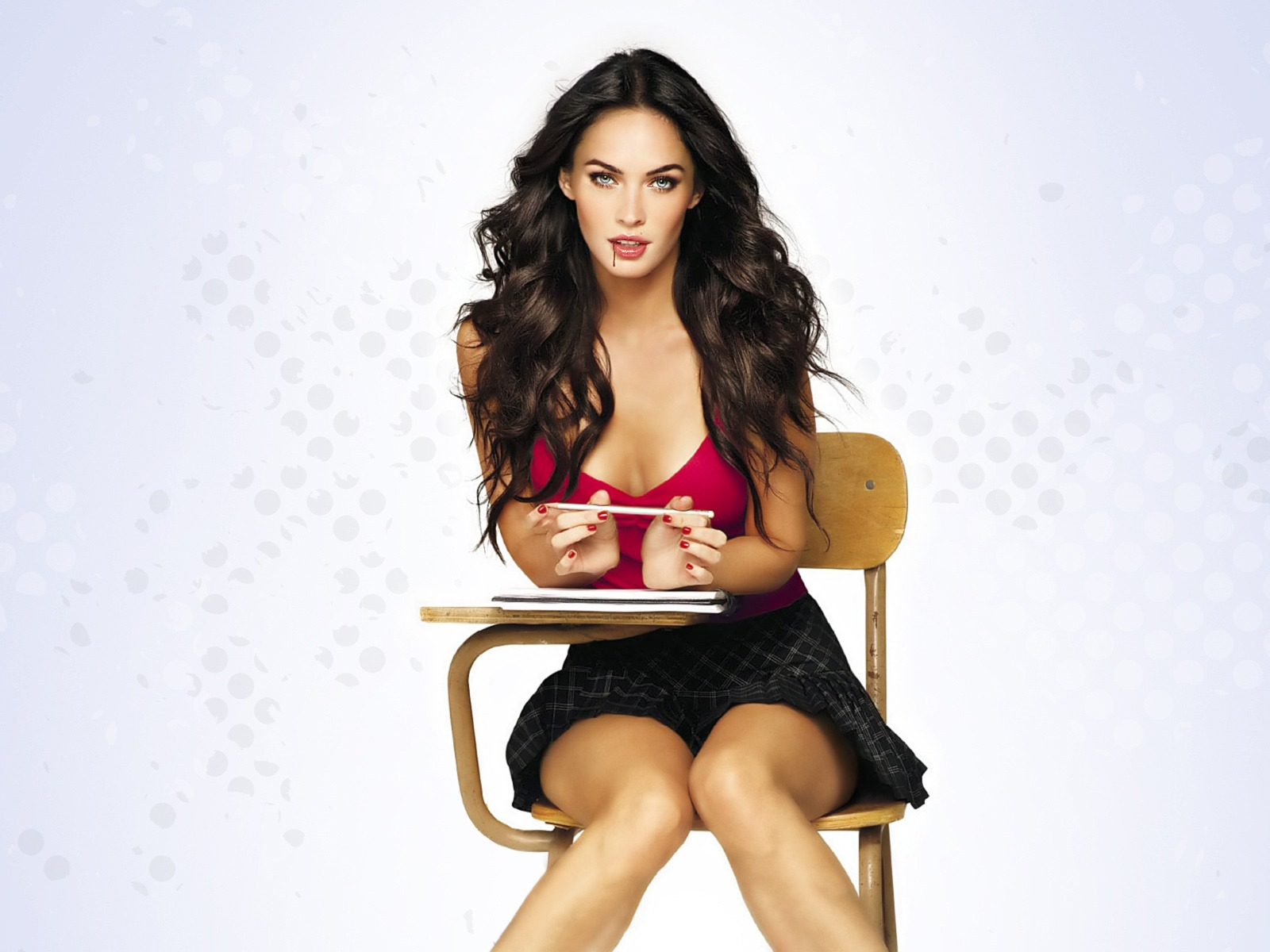 Megan Fox Giving Hot Look While Study 12