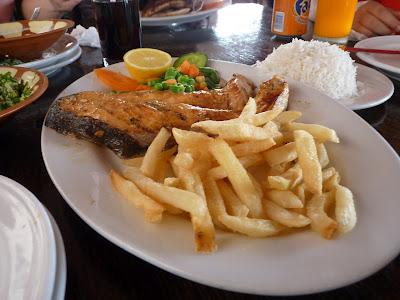 que comer en Dubai Salmón, pescado