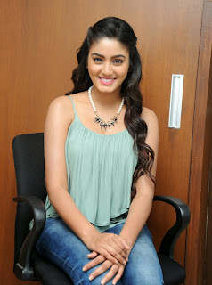 Sana Maqbool in Jeans at Dikkulu Choodaku Ramayya movie press meet (4).jpg