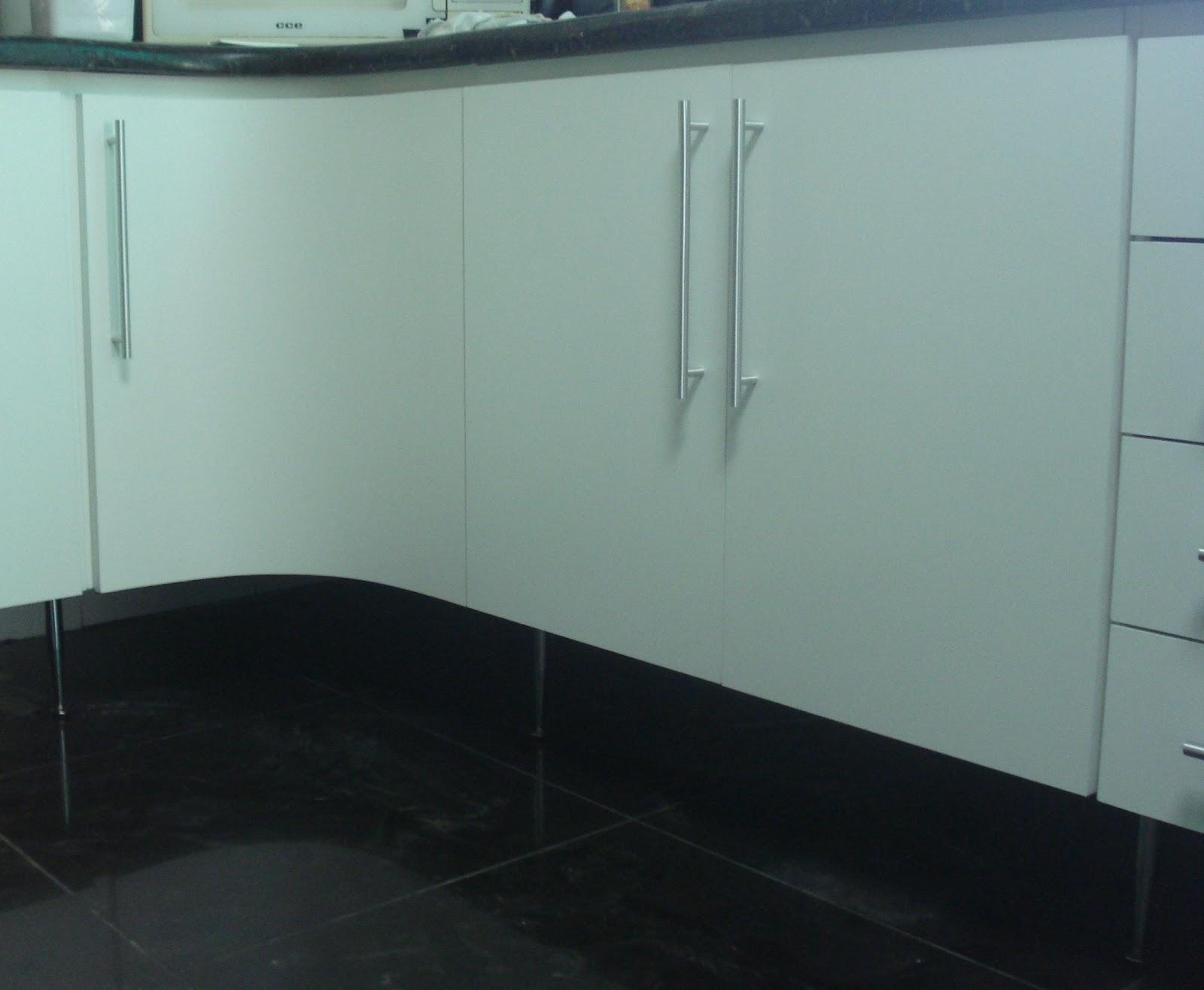 #4A8175  Porta Curva Puxadores em Perfil de Alumínio e Cristaleira com Portas 1004 Portas E Janelas De Aluminio Belo Horizonte