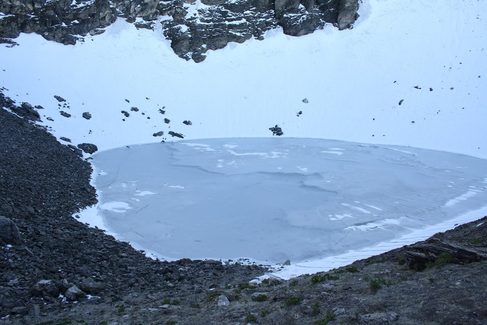 Danau 'parade tengkorak' di Himalaya