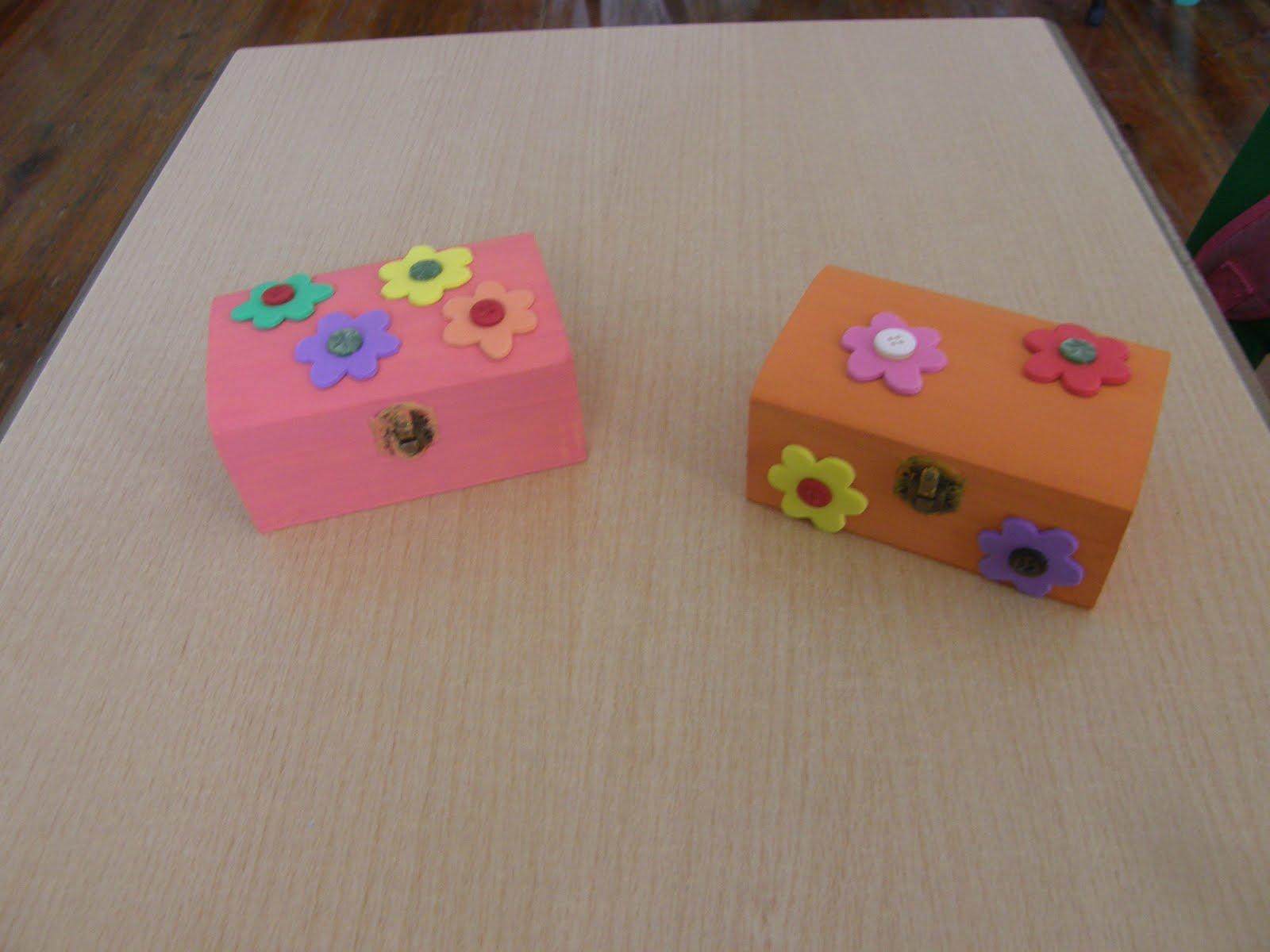 Guarda joias uma caixa de madeira tintas para pintar a caixa papel  #975834 1600x1200
