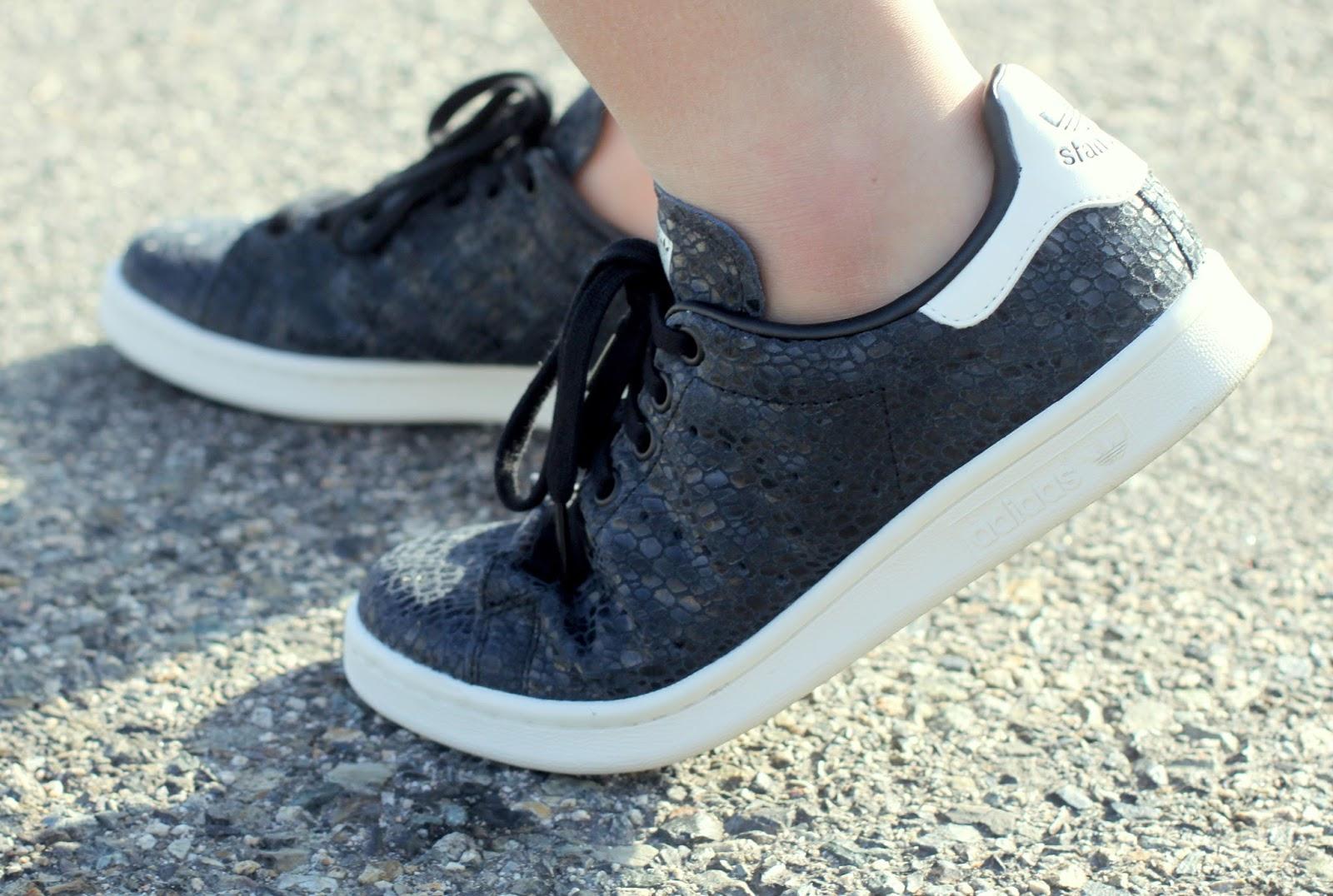 adidas stan smith black footlocker
