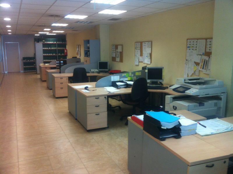 La tova mobiliario y material de oficina for 8 6 mobiliario de oficina