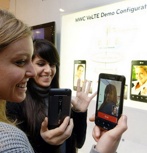LG demoing Voice over LTE (VoLTE) and Video call over LTE at MWC