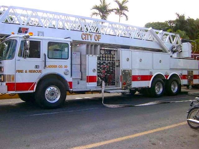 Nuevo «Camión Escalera» Cuerpo de Bomberos SFM