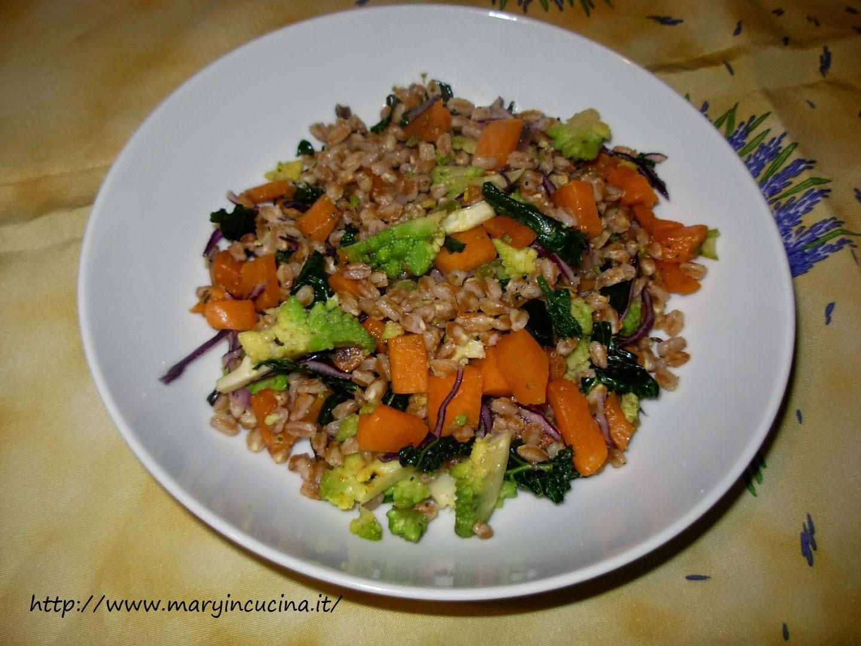 farro con verdure invernali colorate