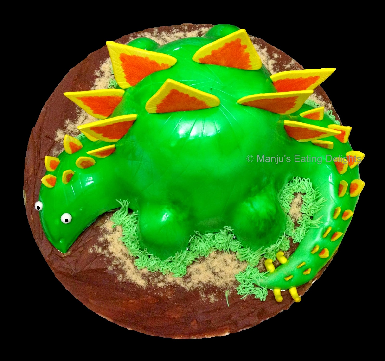 Manju s Eating Delights: Dinosaur Cake - a simple tutorial