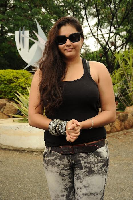 namitha from sukra movie launch, namitha new glamour  images