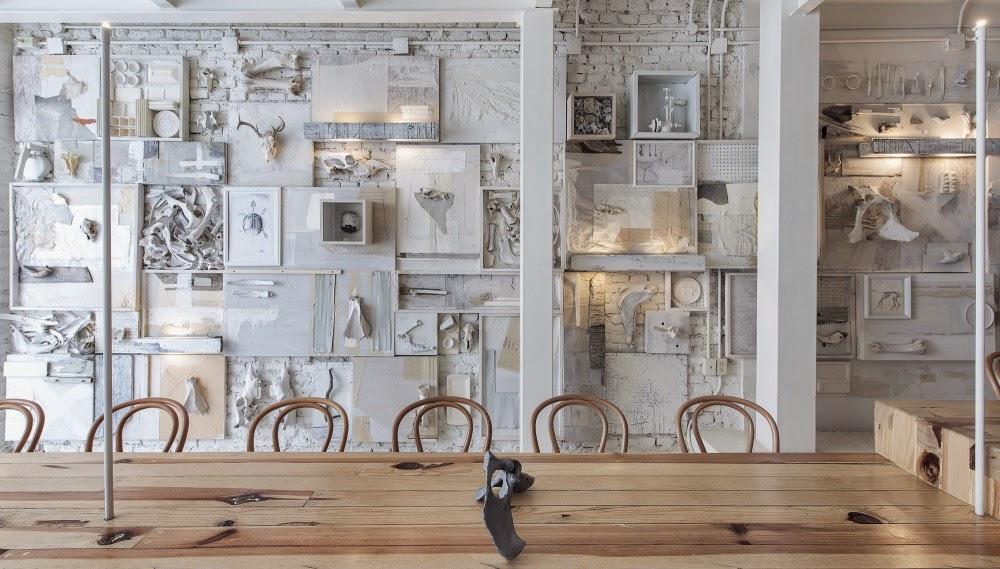 gaya-interior-dan-dekorasi-unik-ribuan-tulang-hewan-di-rumah-makan-Hueso-015
