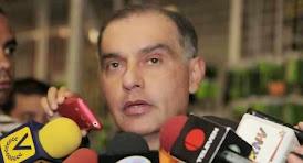 """CONFIDENCIAL / García Plaza """"está en EEUU y no regresará"""""""