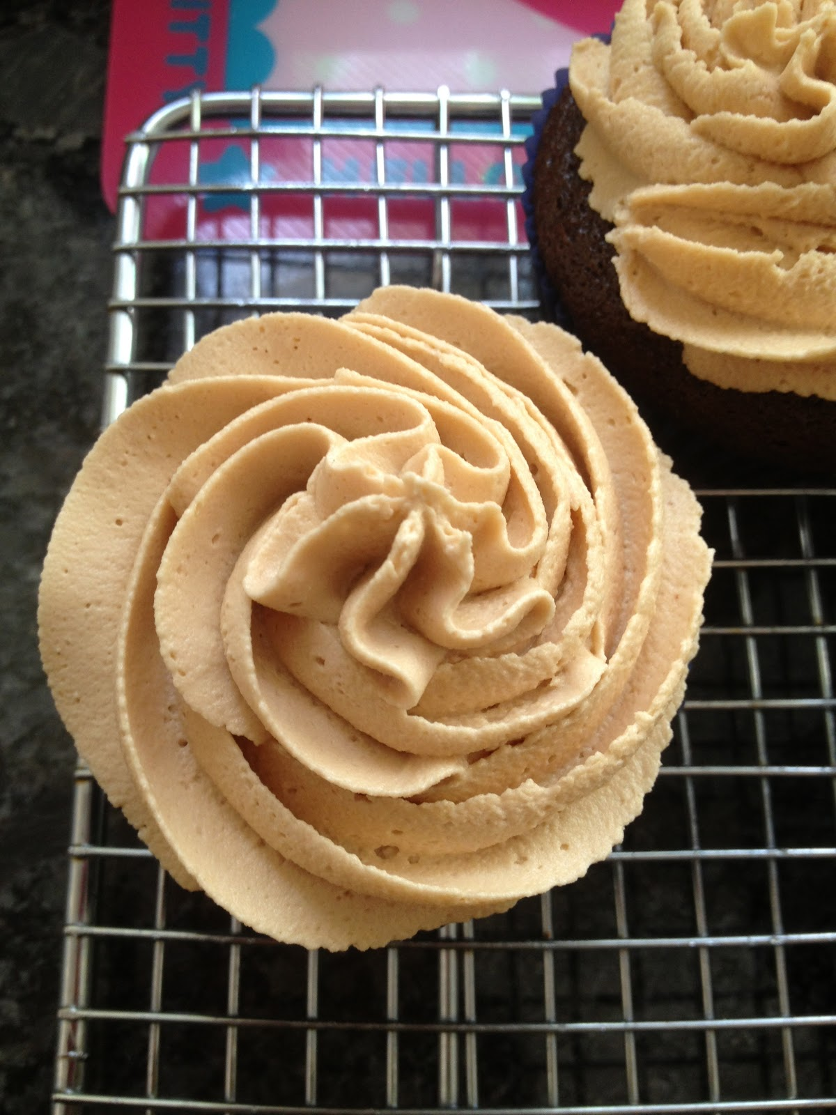 Cakegirl's Kitchen: Chocolate Cupcakes with Biscoff Buttercream