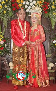 pengantin jawa muslimah modern busana merah