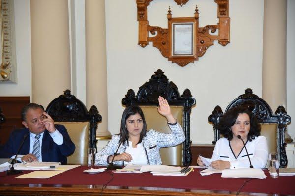 Cabildo de Puebla aprueba apoyo humanitario a caravana de migrantes.