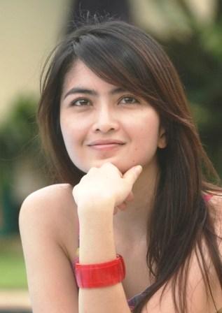 Profil dan Biografi Kadek Devi Artis Cantik Blasteran Bandung Bali