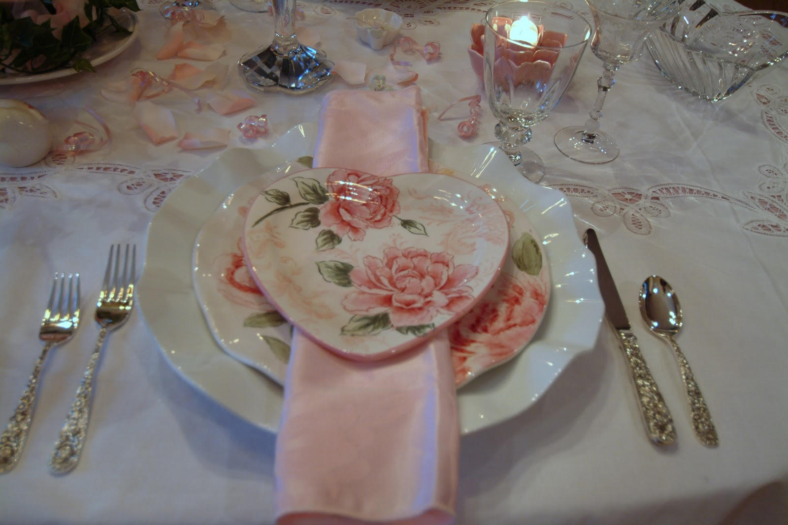 Repousse flatware is used with a pink floral damask napkin. & A Perfect Setting: A Pink Perfect Setting
