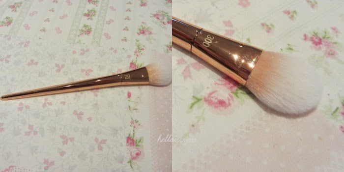 Real Techniques Tapered Blush Brush Rose Gold