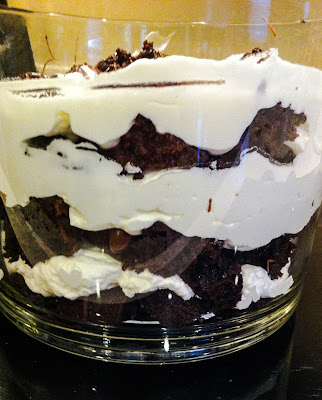 Light mint brownie trifle that is fast and easy and perfect for a party. http://alohamoraopenabook.blogspot.com/