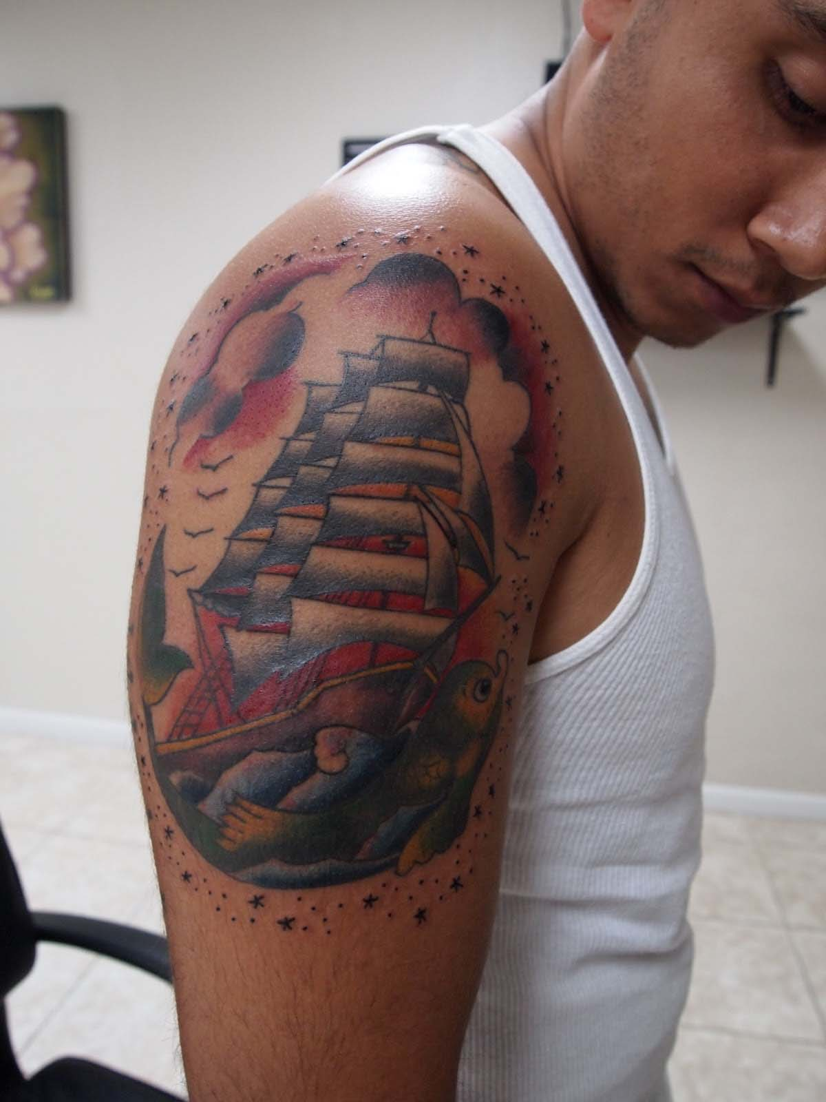 3d tattoo on biceps and triceps tattoos photo gallery. Black Bedroom Furniture Sets. Home Design Ideas