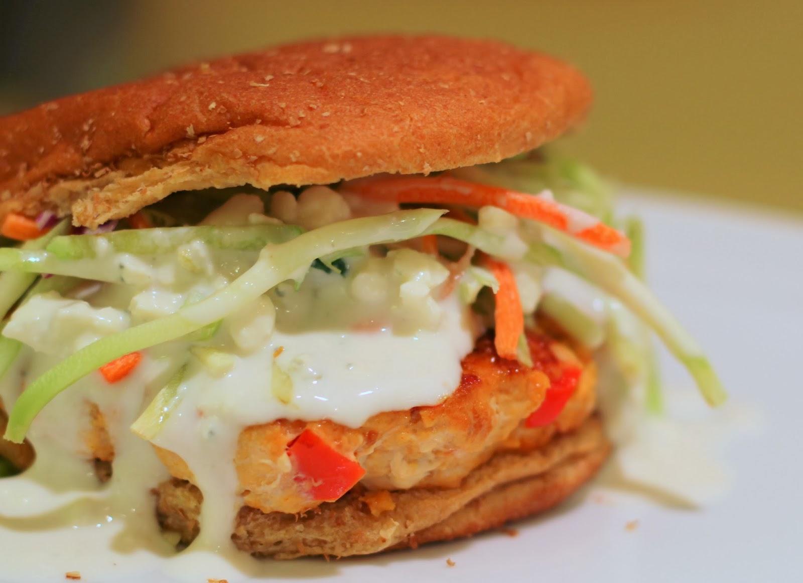... Mommy) Life: Buffalo Turkey Burgers with Blue Cheese & Broccoli Slaw