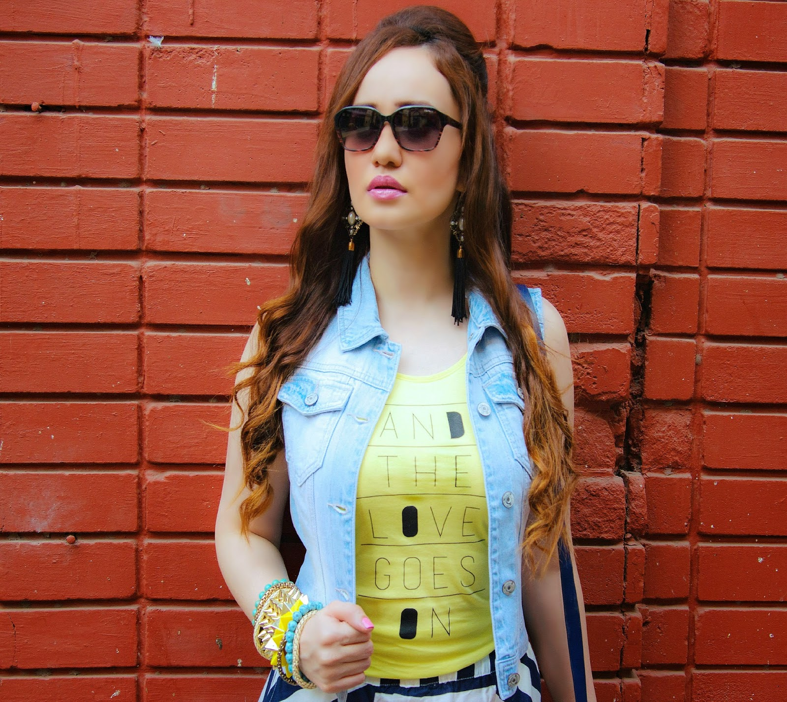 VERO MODA Denim Jacket, T-Shirt, Esprit Sunglasses