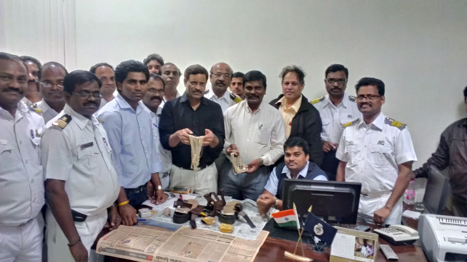 all central excise officers news  yet another seizure by hyderabad customs