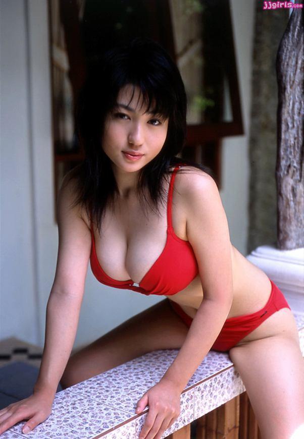 Japanese Sexy Model: Nonami Takizawa Red Bikini Sexy