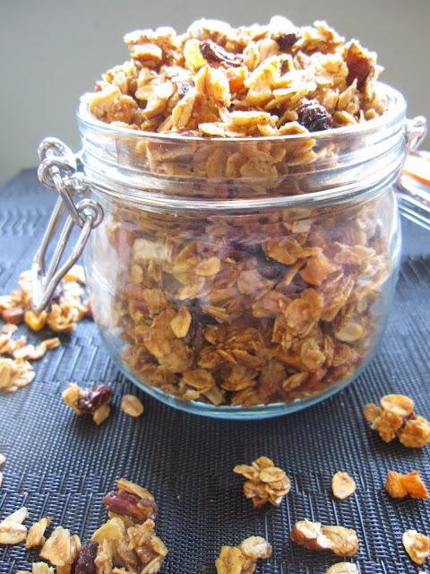 Raisin and Apricot Granola
