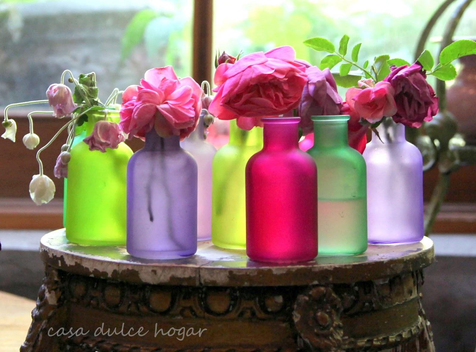 Casa dulce hogar botellitas de colores con flores de mi for Ahuyentar gatos de mi jardin