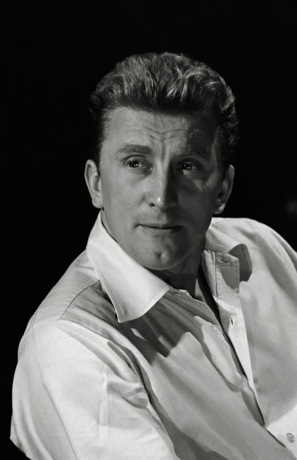 10 Oldest Living Actor...