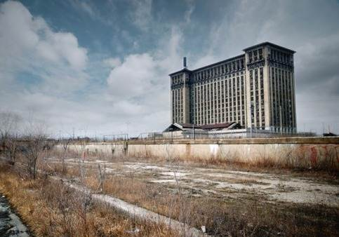 Ants grasshoppers detroit america 39 s urban ghost town for Abandoned neighborhoods in america
