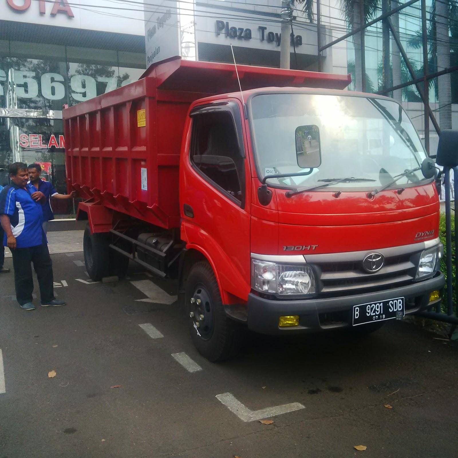 Pengiriman Dump Truk B 9291 SDB Jakarta ke Ambon