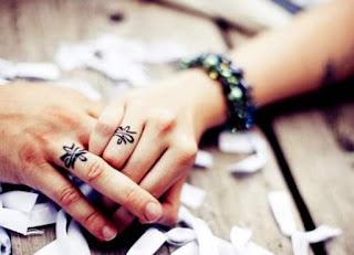 October 2015 Aquarius and Virgo Love Horoscope Reading