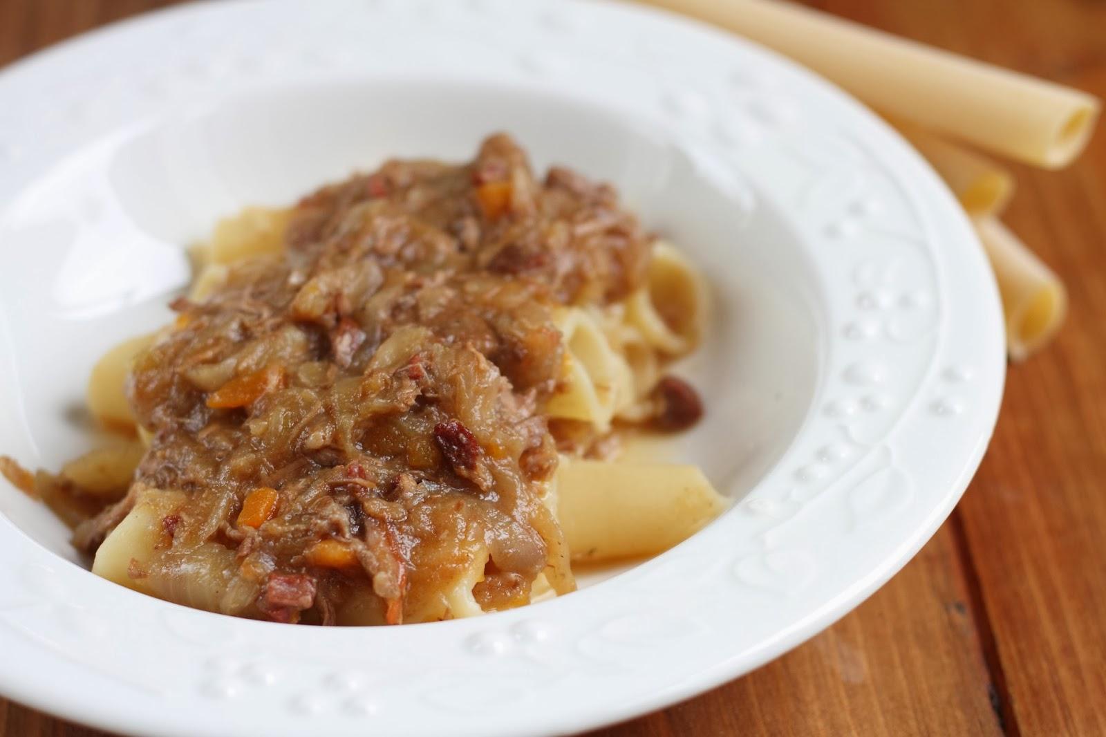 la genovese è una ricetta napoletana...