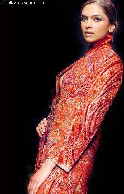 Incredible Deepika Padukone Wardrobe Malfunction 398 x 624 · 47 kB · jpeg