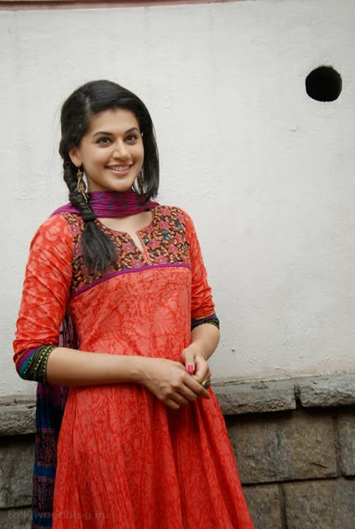 Gorgeous+Taapsee+Pannu+in+Traditional+Dress003