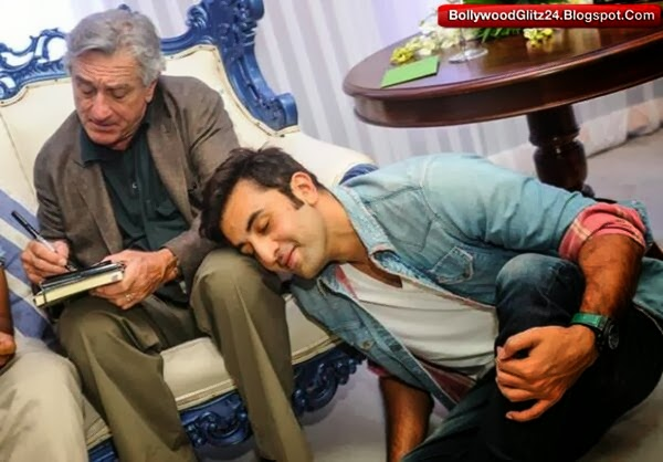 Robert de niro giving autograph to Ranbir kapoor