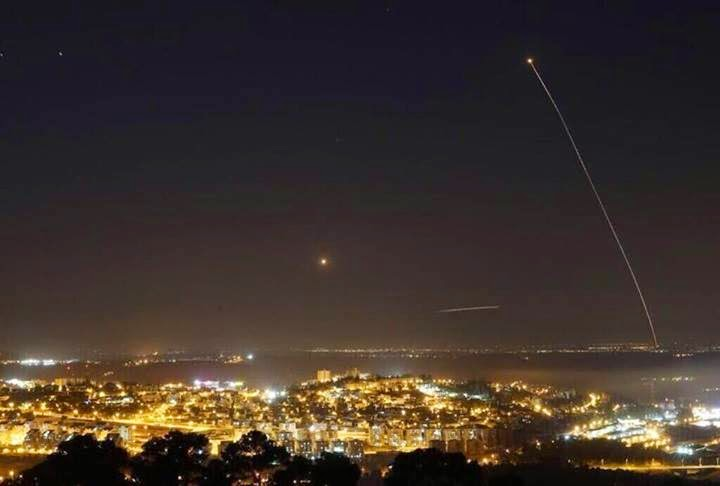 قصف القسام لمدينة تل أبيب المحتلة بصاروخ J80