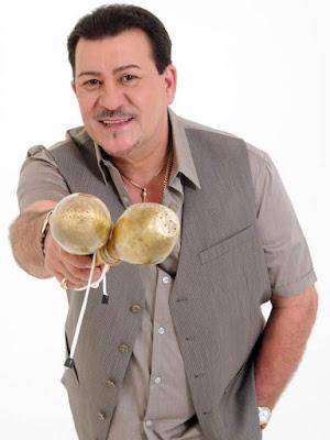 Tito Rojas en sesión de foto