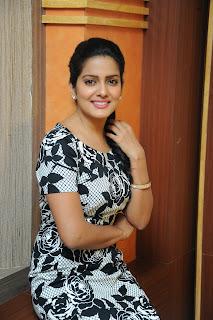 Vishaka singh latest glam pics 031.JPG