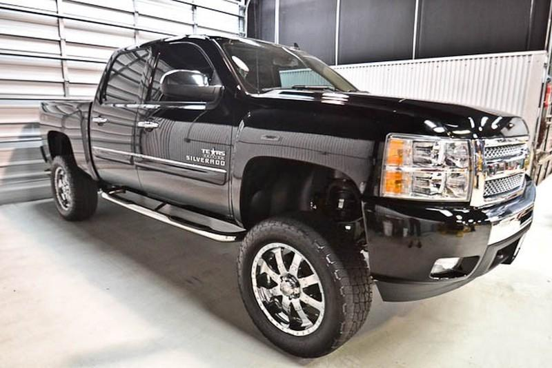 Lifted GM Trucks: 2011 Chevy 1500 Lifted Truck