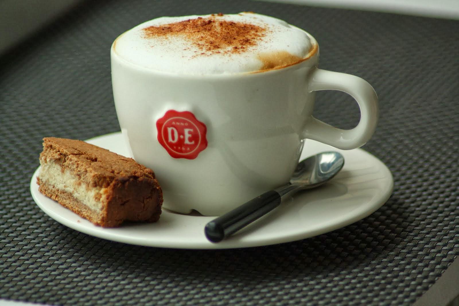 Koffie met gevulde speculaas