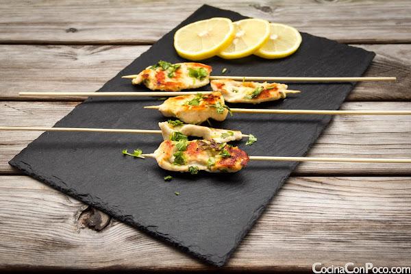 Brochetas de pollo marinadas - Receta paso a paso