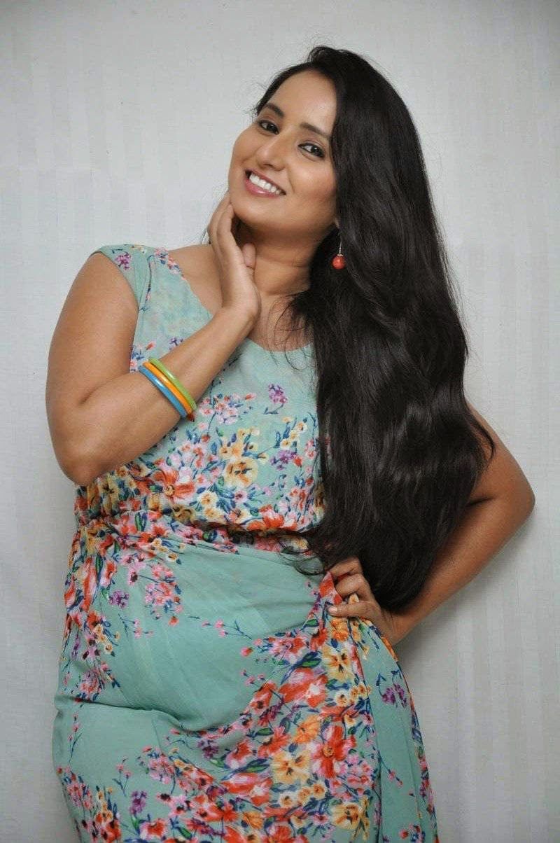 actress ishika singh latest cute hot beautiful spicy photoshoot