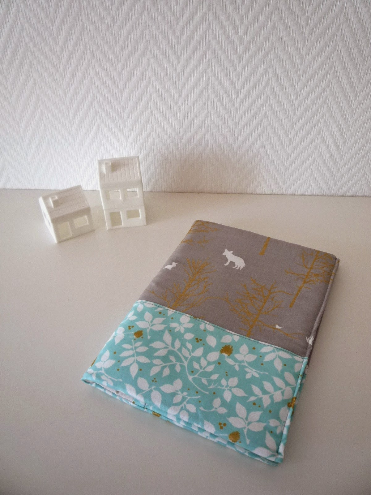 http://www.claralily.fr/18-housse-carnet-sante